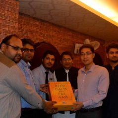 Lalqila Restaurant Karachi Ramzan Gifts Distribution